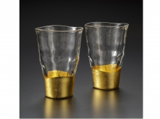 A pair of Tumblers - gold leaf glassware