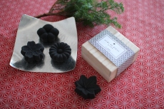 Charcoal Rikyu (Deodorizing & dehumidifying ornament)