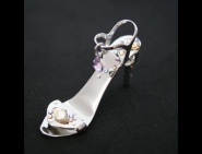 Fantasia- fingernail preserving stiletto ring-tab opener