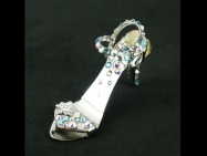 Crystal - fingernail preserving stiletto ring-tab opener