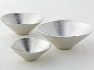 """Kuzushi-yugami"" pure tin bowl"