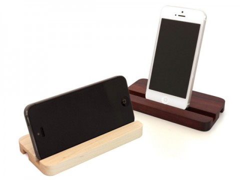 Wooden iPhone 5 Stand