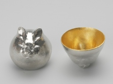 "[Rabbit] ""Eto"" pure tin sake cup"